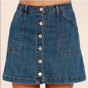 Lulu's denim skirt
